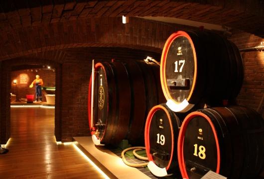 Spa in the Czech Republic: Carlsbad Tour - Glass Tradition - Becherovka Liquer Distillery