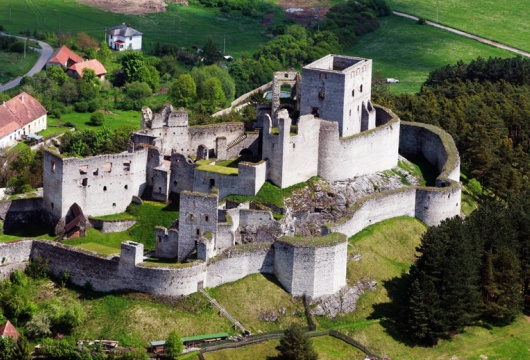 Castles in the Czech Republic: Rabí Largest Castle