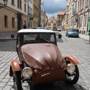 Classic Car Ride in the Czech Republic: Pilsen City - VELOREX