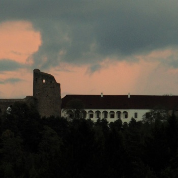 Burgen in der Tschechischen Republik: Brückenburg Velhartice